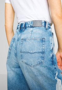 Pepe Jeans - AURORA PAINT - Jeansy Relaxed Fit - blue denim - 4
