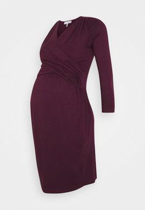DIVINE - Jersey dress - aubergine