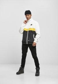 Starter - Summer jacket - white/black/golden - 1
