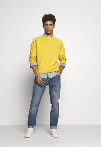 YMC You Must Create - SCHRANK RAGLAN - Sweatshirt - yellow - 1