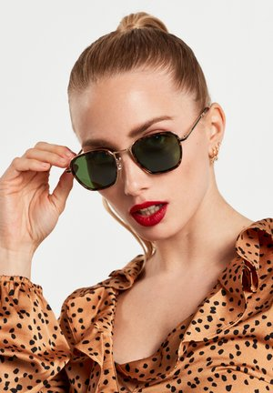 CHAIN  - Sunglasses - brown