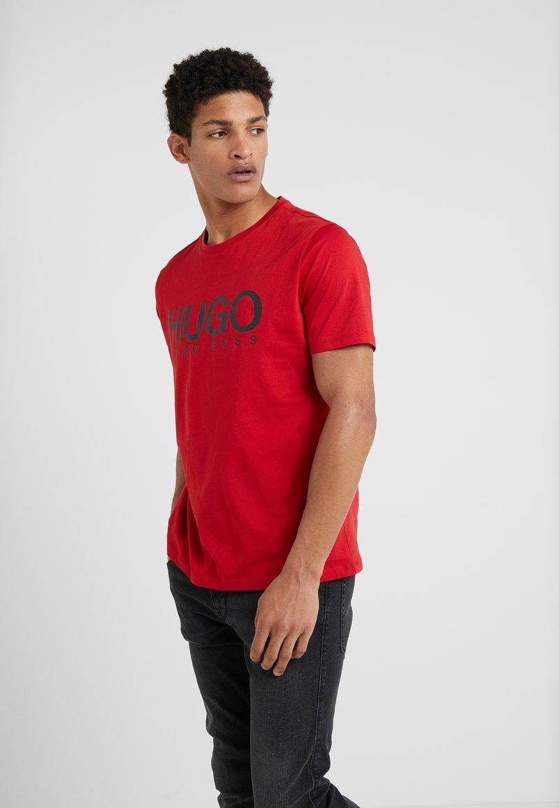 HUGO - DOLIVE - Print T-shirt - bright red
