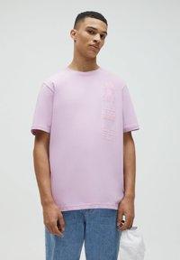 PULL&BEAR - Print T-shirt - dark purple - 0
