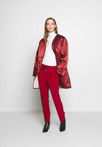 Filippa K - FIONA PEG - Kalhoty - pure red - 1