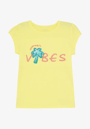 NMFHAPINA BOX - T-shirt con stampa - limelight