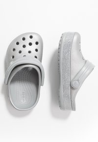 Crocs - CROCBAND GLITTER RELAXED FIT - Pool slides - silver - 0