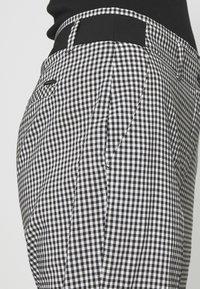 Betty & Co - Trousers - black/white - 5