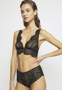 Etam - INK SA  - Triangle bra - noir - 3