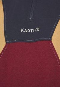 Kaotiko - CREW ARNOLD UNISEX - Sweatshirt - granate/marino - 4