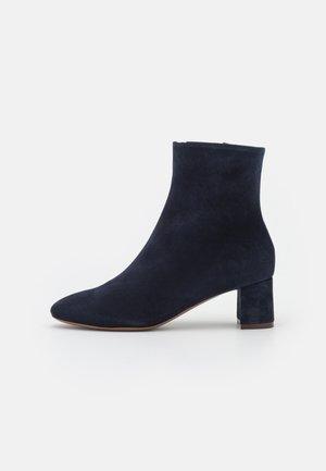 ZIP BOOT - Kotníkové boty - abyss