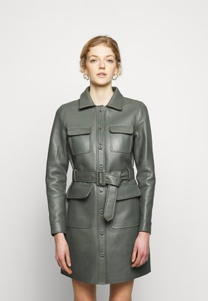 SWAY DRESS - Vestido camisero - castor