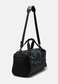 Nike Performance - DUFF - Sports bag - light smoke grey/black/cool grey - 2