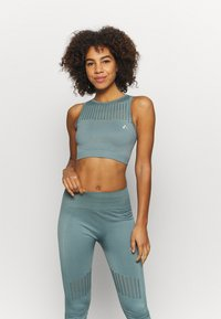 ONLY Play - ONPDAMITA LIFE SHORT CIRCULAR - Light support sports bra - goblin blue - 0