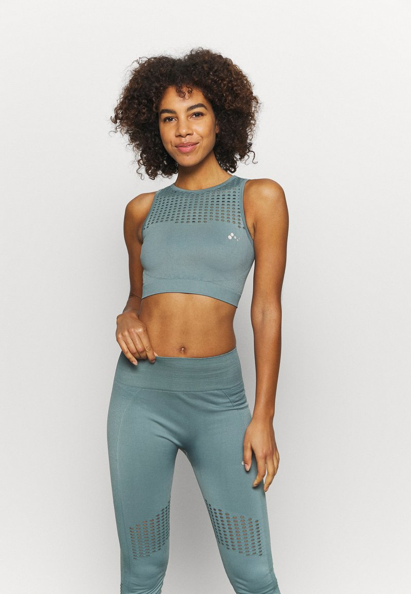 ONLY Play - ONPDAMITA LIFE SHORT CIRCULAR - Light support sports bra - goblin blue