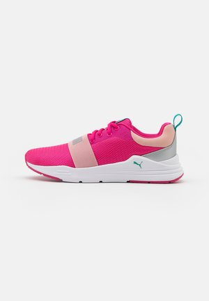 WIRED RUN AGILE UNISEX - Neutral running shoes - glowing pink/silver