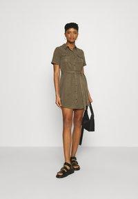 Vero Moda - VMSILJA SHORT DRESS  - Vestido camisero - bungee cord - 1