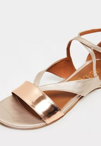 IZIA - Sandals - gold - 6