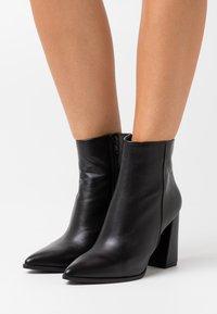 Steve Madden - RAYNI - High heeled ankle boots - black - 0