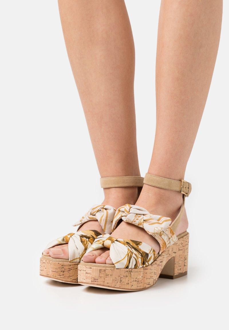 Alberta Ferretti - Platform sandals - beige