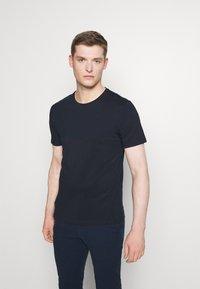 Pier One - 3 PACK - T-shirt basic - olive/dark blue/grey - 3