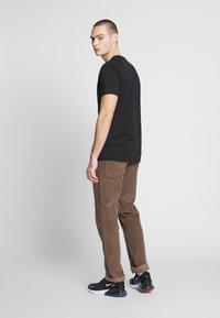 Mister Tee - BIG PIMPIN TEE - T-Shirt print - black - 2
