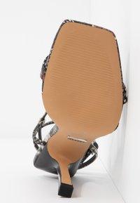 Topshop - RITZ STRAP - Sandali con tacco - beige - 6