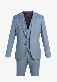 ARTI HESTEN - Suit - light blue