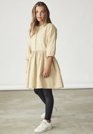 3/4-ÄRMEL - Shirt dress - travertine