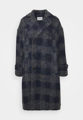 PLUMBER LONG COAT