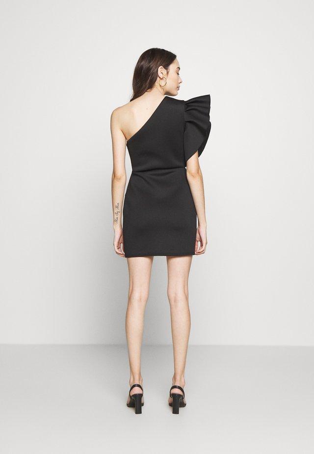 ONE SHOULDER RUFFLE WRAP MINI DRESS - Vestito di maglina - black