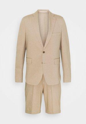 SHORT SUIT - Kostym - beige