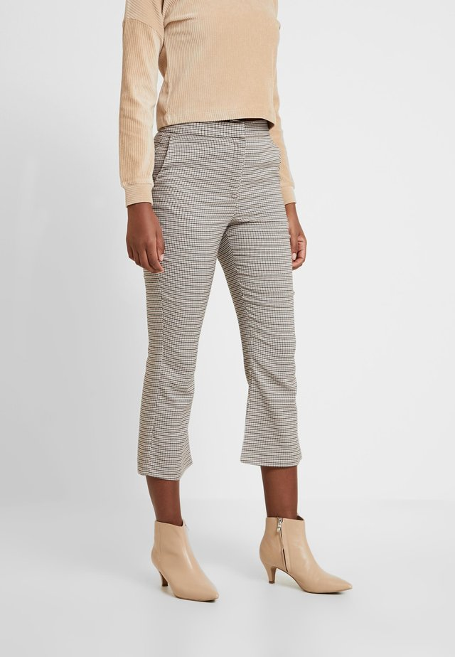 CROPPED KICK FLARE - Bukse - brown