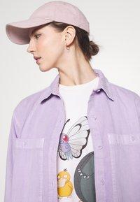 Levi's® - POKEMON TEE - Print T-shirt - ballerina - 3