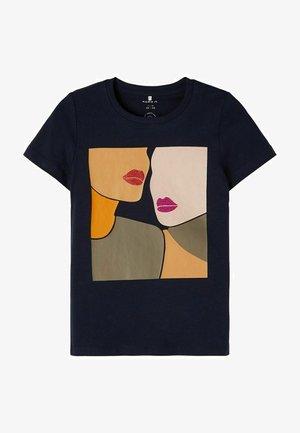 NKFLIRA BOX - T-shirt print - dark sapphire