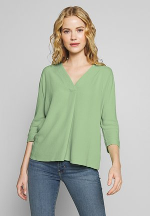 Blouse - soft green