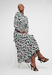 Moves - ELINOA - Shirt dress - black/green/pink - 3