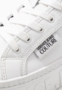 Versace Jeans Couture - Sneakersy niskie - bianco ottico - 5