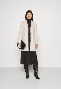 Opus - HALINI SPECIAL - Classic coat - soft ginger - 1