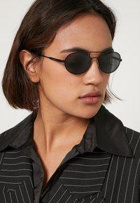 Polaroid - Sunglasses - black - 2