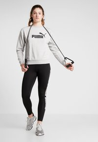 Puma - LOGO CREW - Sweatshirt - light gray heather - 1