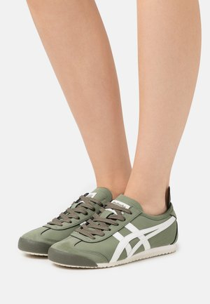 MEXICO 66 - Zapatillas - mantle green/cream