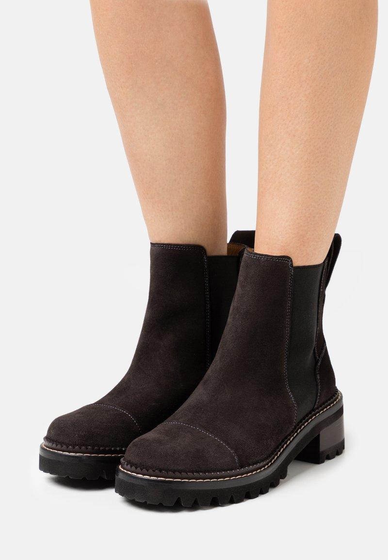 See by Chloé - MALLORY BOOTIE - Kotníkové boty - charcoal