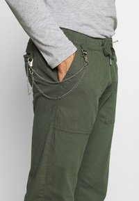 Redefined Rebel - TOBY PANTS - Trousers - thyme - 4
