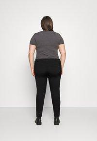 Tommy Hilfiger Curve - HARLEM  - Jeans Skinny Fit - black - 2