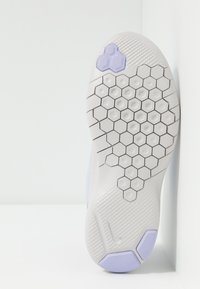 Nike Performance - FLEX EXPERIENCE RN 8 - Minimalist running shoes - lavender mist/atmosphere grey/purple agate/vast grey - 4