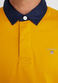 GANT - THE ORIGINAL HEAVY RUGGER - Polo shirt - ivy gold - 4