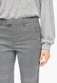 Q/S designed by - Trousers - grey check - 4