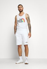 The North Face - RAINBOW SHORT - kurze Sporthose - white - 1