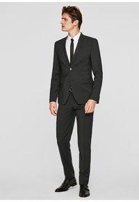 s.Oliver BLACK LABEL - CESANO - Suit trousers - black - 1
