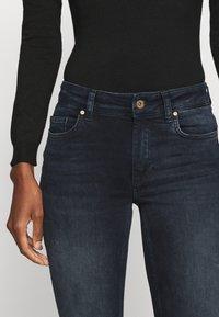 ONLY Tall - ONLBLUSH LIFE RAW - Jeans Skinny Fit - blue black denim - 5